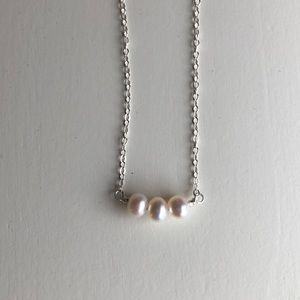 Triple pearl silver necklace